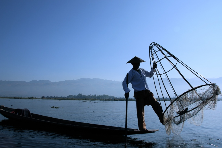 weekly photo challenge: inle lake silhouette